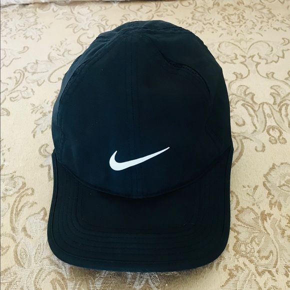 Nike Other - Nike Featherlight Dri-Fit Cap